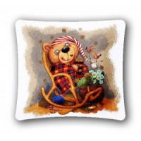 """Наволочка """"Баловни Медвежонок в кресле"""" (45х45)"""
