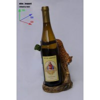Подставка для бутылки, леопард и бутылка.