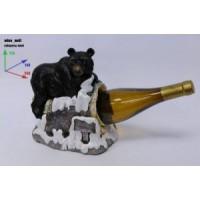Подставка для бутылки, медведь на скале.