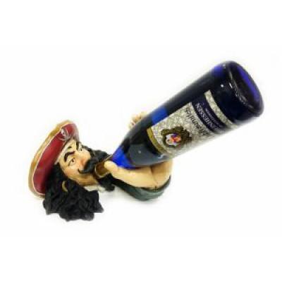 Подставка для бутылки, пират дегустирует
